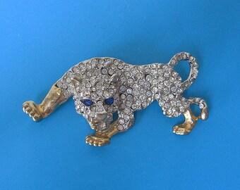 Big vintage brooch Leopard coverd in Rhinestones 80s