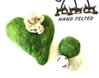 Green Felted Heart and Ball Cat Toys, Needle felted Cat Toys, Catnip Cat Toys with Bells, Cat Things,Cat Stuff, Cat Novelties, Felt Cat toys