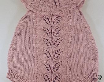 Romper baby (0-3 months) with a wire hand knitted super soft cotton Merino elegant powder pink