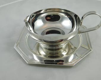 Vintage Silver Plate Gravy Boat and Tray from Landes