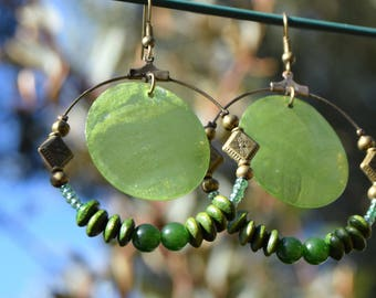 Bronze hoop earrings green and khaki beads, mother-of-Pearl, Khaki and bronze earrings jewelry
