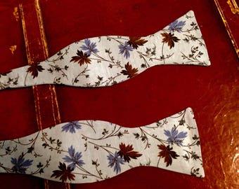 Moonlight Leaves- Self Tie Bow Tie