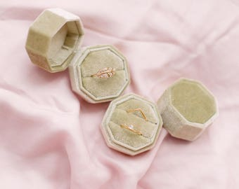 Ring Box Velvet Green Octagon Sage