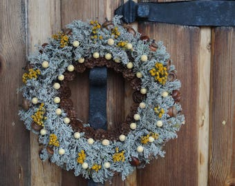 Moss wreath Winter wreath Wreath with cones and acorns Rustic decor Frosted Christmas wreath farmhouse decor Indoor wreath Door wreath