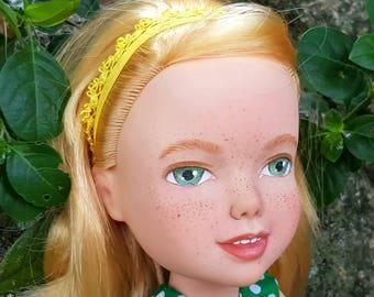 Meet Fleur - Madeunder Aurora Disney doll