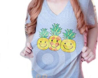 Pineapple shirt Women tops S M L XL Grey tshirt - Vacation shirt -Funny t shirt  - Pineapple fruit