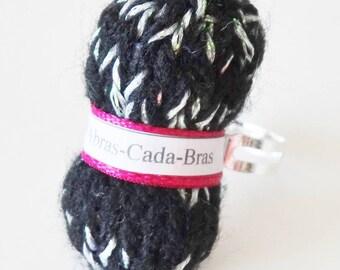 Ring of shiny black yarn (customizable)