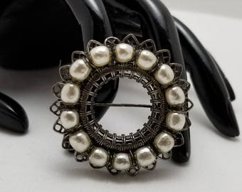 MIRIAM HASKELL Faux Pearl Pin