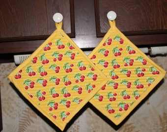 Pair 2 Oversized Handcrafted Quilted Potholders Hotpads, Cheery Cherry