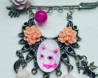 Handmade cat lover brooch pin/bag charm