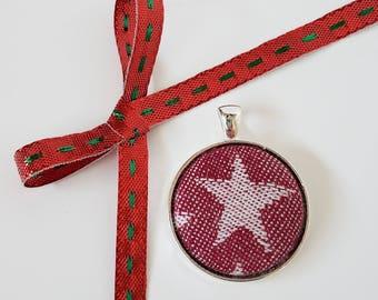 Pendant - Kokadi  - Christmas - Wrap Scrap - Red and White - Star - Christmas Jewelry - Holiday Jewelry