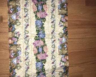 Hydrangea and Basket Table Runner
