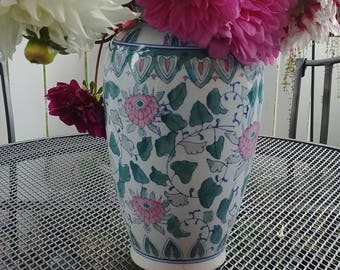 Jade Chrysanthemum Vase,  beautiful celadon ginger shaped vase with a deep jade-green and pink color