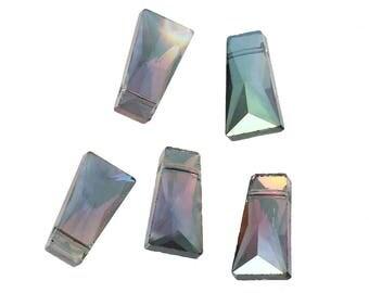 5 Green rectangular glass beads