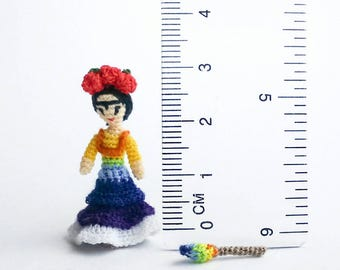 Micro amigurumi doll Frida Kahlo. Miniature crochet doll. Tiny crochet Frida Kahlo. Micro crochet doll. Frida Kahlo doll. Miniature doll.
