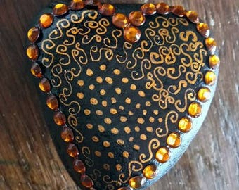 Stone amber rhinestone and arabesque designs