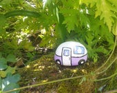 Painted pebble caravan - caravan lover - vintage caravan - decorative pebble - painted stone - paperweight - caravan gift - garden decor