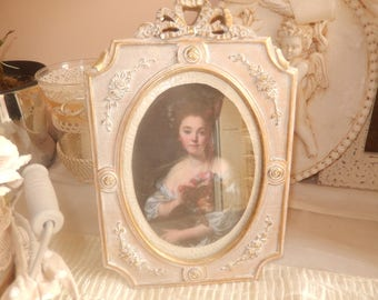 White and gold victorian photo frame
