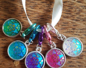 5 crochet  stitch markers. Shimmering flowers