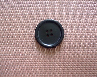 buttons 3 cm black round 4 holes (BR5)