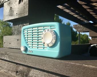 1951 Arvin Tube Radio / MP3