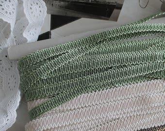 Crack green almond - guipure braid SWELLS France - Vintage Passementerie trim - luxury - decorator upholstery braid trim