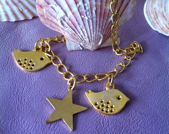 Bracelet tiny bird gold tone
