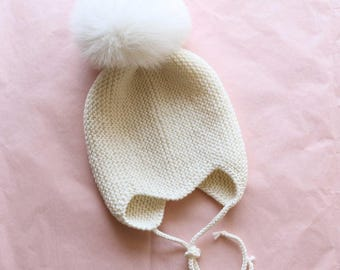 Baby Knit hat, baby knit bonnet, baby hat, baby cap, hand knit baby bonnet, baby knitwear, baby merino bonnet with pompoms