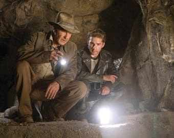 Indiana Jones style flashlight, vintage torch, retro lamp, cosplay and movie prop replica