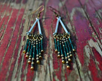 Ethnic earrings made of seed beads