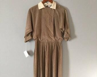 20% OFF SALE... 80s mocha dress | pleated skirt day dress