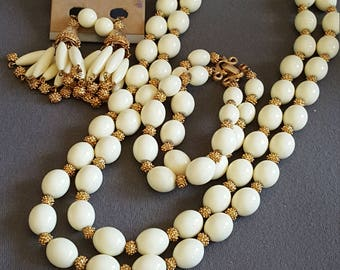 Vintage Crown Trifari Gold Tone and Cream Lucite Bead Necklace Set