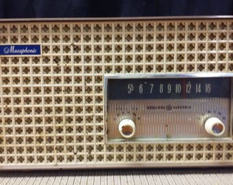 General Electric radio model T-165A (Cocoa-plastic) made in USA in 1960