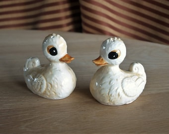 Vintage Ceramic Cartoon Ducks Salt and Pepper Shakers – Japan