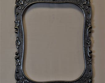 8x10 Metal Shaped Ornate Picture Frame