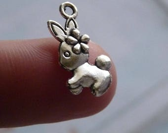 Bunny Charms, Rabbit Charms, Easter Charms, Bunny with Flower Charms, Animal Charms Pendants, Antique Silver Tone  Rabbit Charms