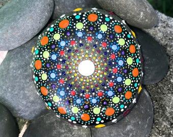 Mandala Beach Pebble / Rock