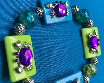 Crab braceler, blue and green stretch bracelet, summer braceket, beach bracelet, fun bracelet