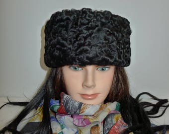Beautiful  black Persian lamb  fur headband - in excellent condition.   L XL -Joli bandeau de mouton de Perse noir. G