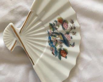 Fan shaped dish