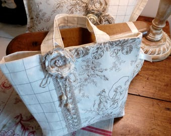 small canvas of Jouy and linen bag