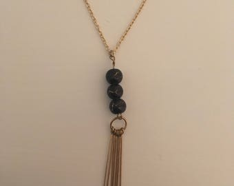 Beaded and metal necklace