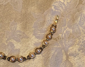 Retro Gold and Pearl Bracelet, Vintage Feminne Link Bracelet, Eighties Jewelry