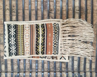 Vintage old fringed scarf from Peru