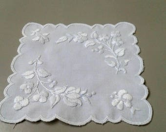 Vintage,Hungarian handmade ,white embroidered doily w.flower pattern