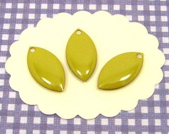 6 lime green enameled shuttles SEE07 charms