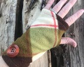 Woodland Plaid Glove - fingerless fleece glove