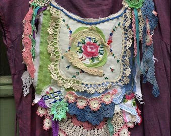 Upcycled Vintage Linens Doilies Lace Sew-On Embellishment