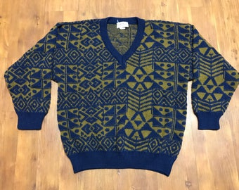 Vintage Confezioni de Lusso italian made knitted sweater V-neck Warm Gold navy blue pattern Medium Upper class designer Wool sweater
