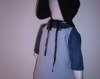 Amish doll, handgemaakte lappenpop, Rag doll met blauw gestreept schort